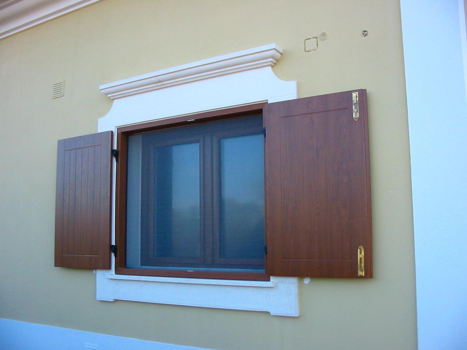 #246DA7 Casa das Janelas 1668 Janela De Aluminio Madeira Madeira
