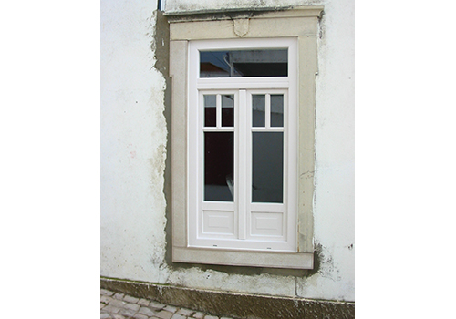 Casa das janelas for Casa para herramientas de pvc